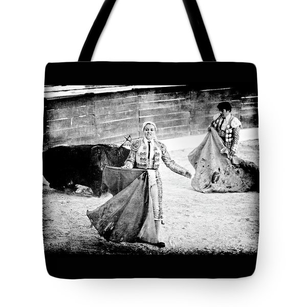 Tote Bag featuring the photograph The Blond, The Bull And The Coup De Gras Bullfight by Jennifer Wright