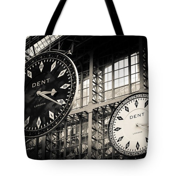 The Dent Clock And Replica At St Pancras Railway Station Tote Bag
