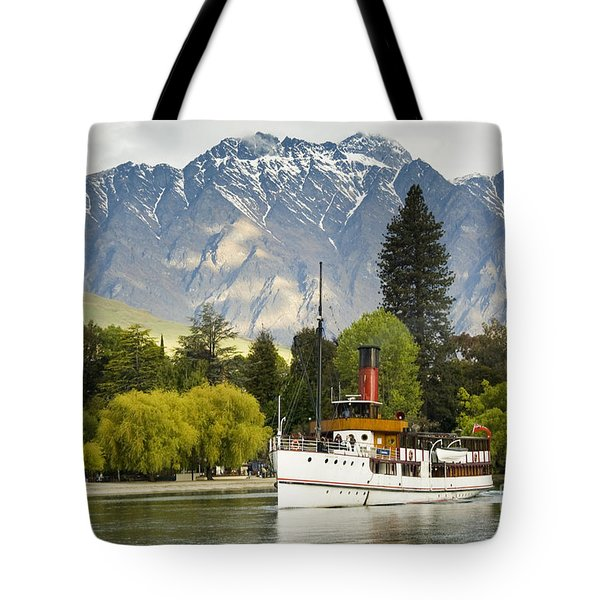 Tote Bag featuring the photograph The Earnslaw by Werner Padarin