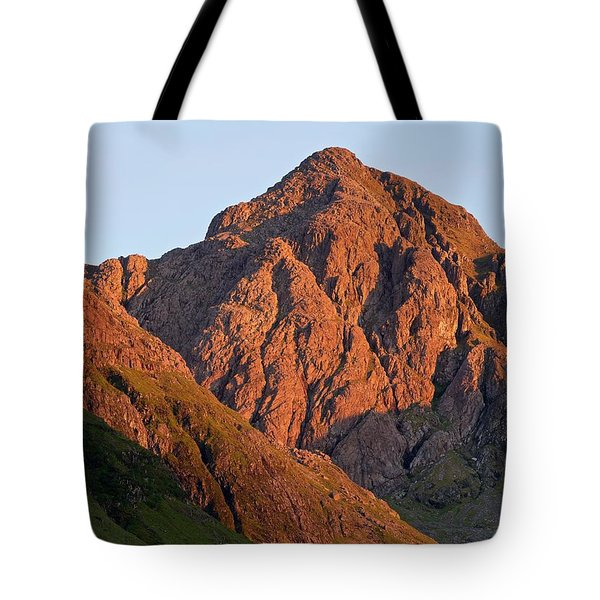 The Evening Light Hits Bidean Niam Ban Tote Bag