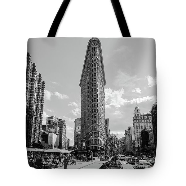 The Flatiron Building New York Tote Bag