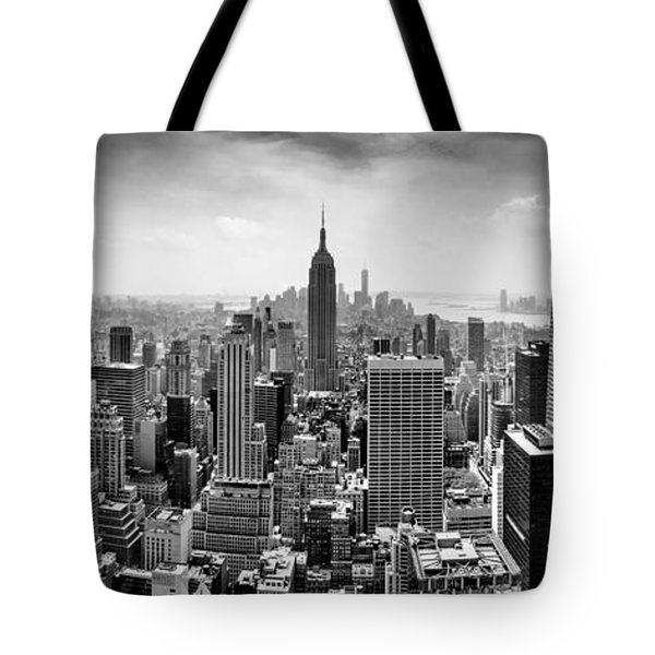 New York City Skyline Bw Tote Bag