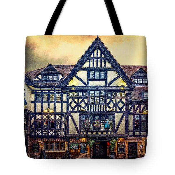 Tote Bag featuring the photograph The King And Queen by Chris Lord