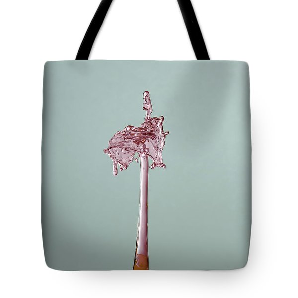 Tote Bag featuring the photograph The Lady On The Water Drop by Francisco Gomez