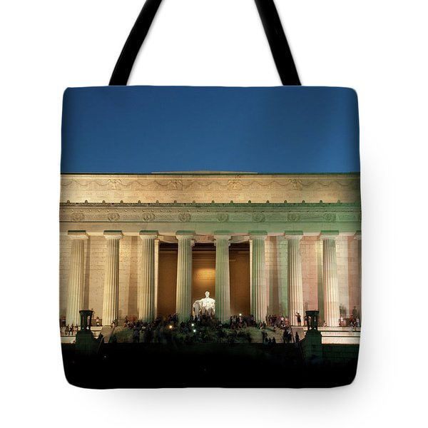 Tote Bag featuring the photograph The Lincoln Memorial by Mark Dodd