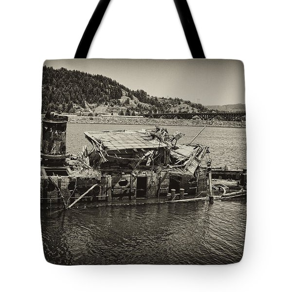Tote Bag featuring the photograph The Mary Duncan Hume by Hugh Smith