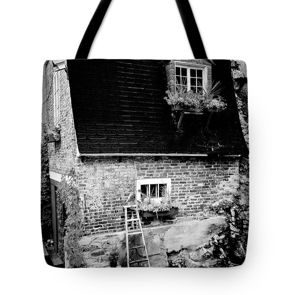 The Nest Tote Bag