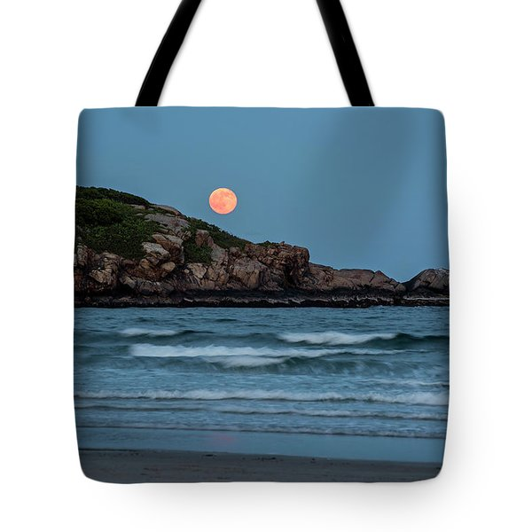 The Strawberry Moon Rising Over Good Harbor Beach Gloucester Ma Island Tote Bag