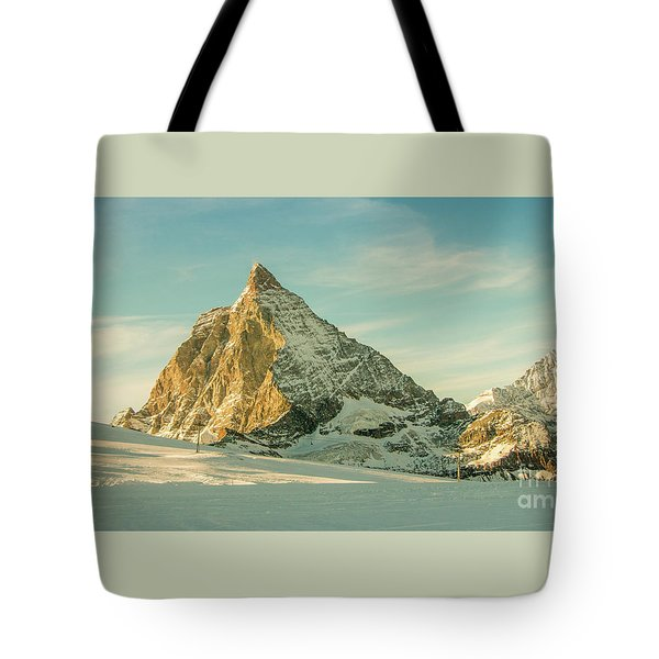 The Sun Sets Over The Matterhorn Tote Bag