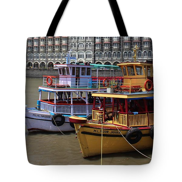 The Taj Palace Hotel And Boats, Mumbai Tote Bag
