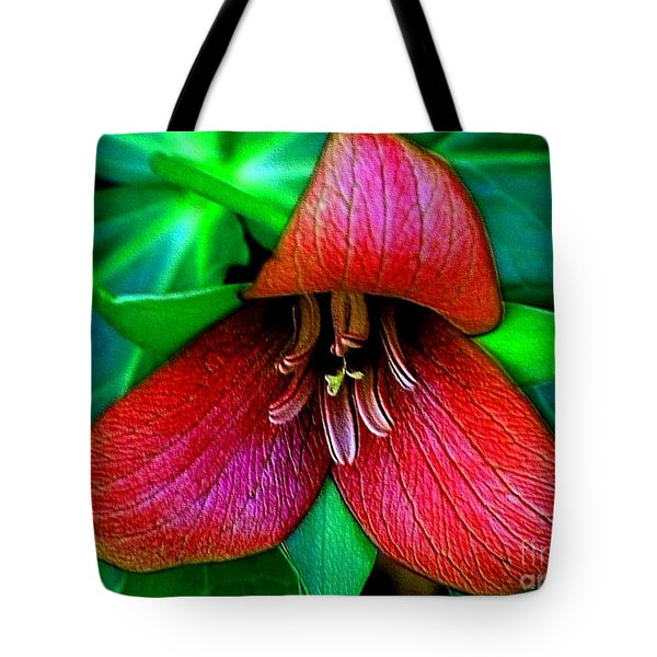Tote Bag featuring the photograph The Trillium by Elfriede Fulda
