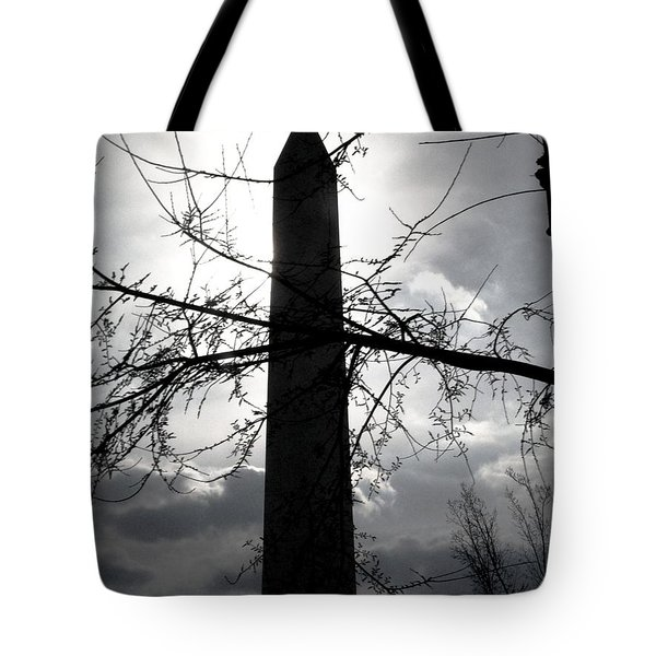The Washington Monument - Black And White Tote Bag