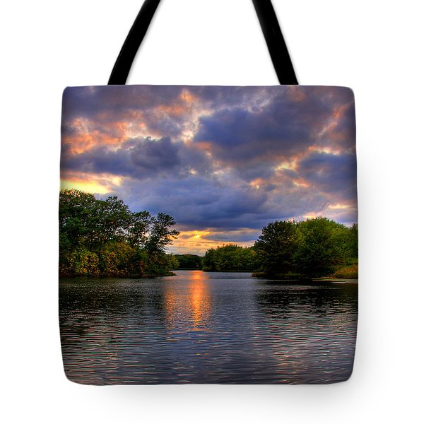 Thomas Lake Park In Eagan On A Glorious Summer Evening Tote Bag