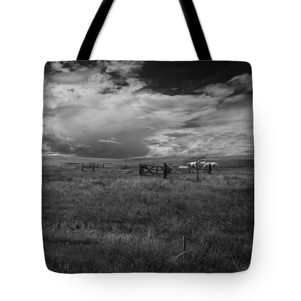 Three White Horse And Corral Bw Tote Bag