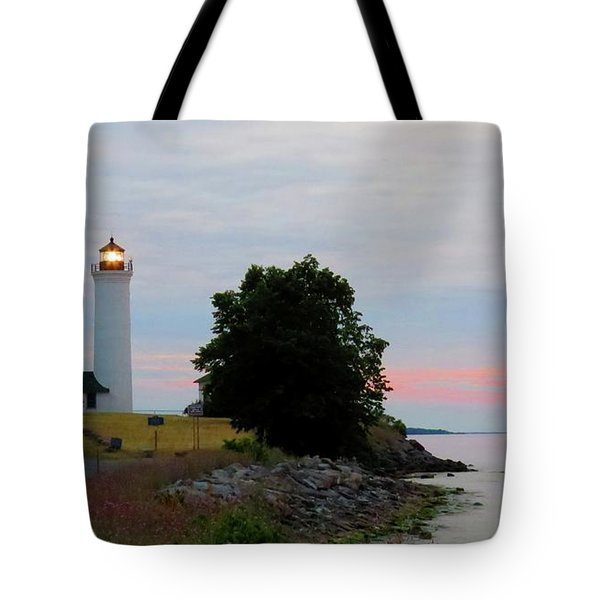 Tibbetts Point Light Sunset Tote Bag