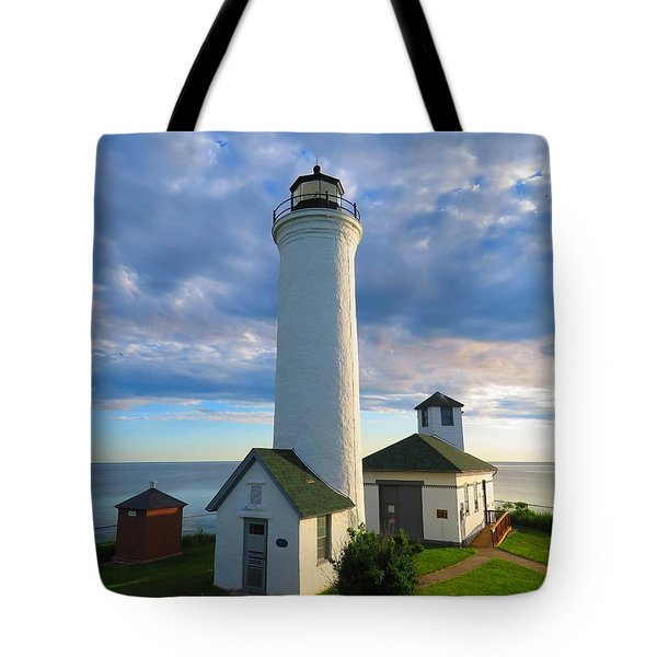 Tibbetts Point Lighthouse In June Tote Bag