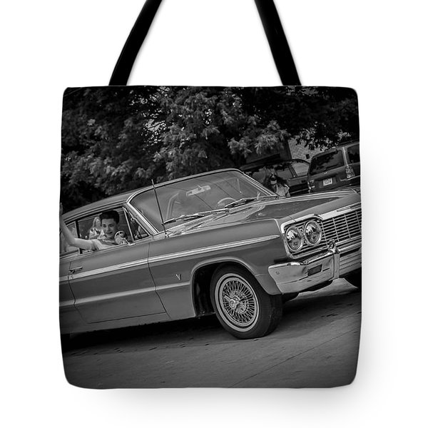 Time Traveler Tote Bag by Ray Congrove