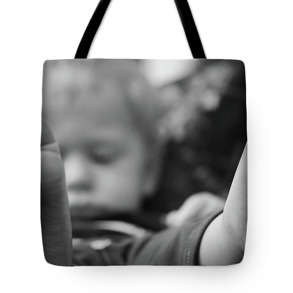 Tote Bag featuring the photograph Tiny Feet by Robert Meanor