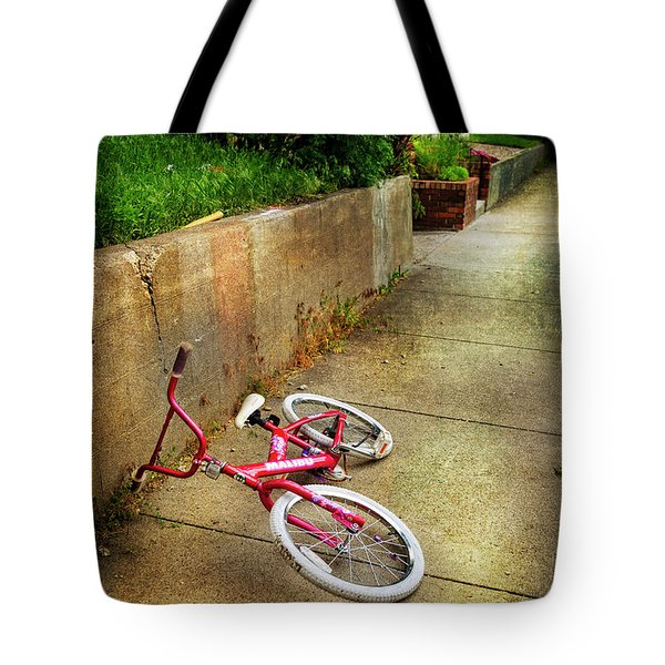 Tote Bag featuring the photograph Tiny Malibu Bicycle by Craig J Satterlee