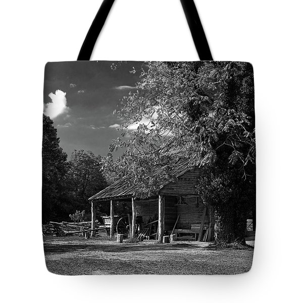 Tobacco Barn - B-w Tote Bag by Christopher Holmes