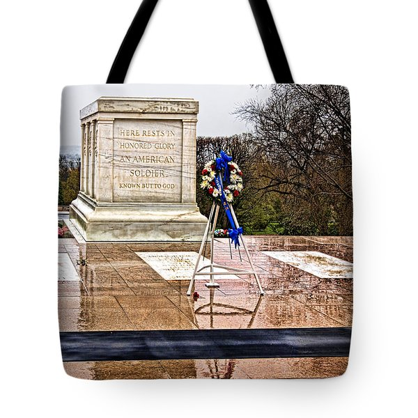 Tomb Of The Unknown Soldiers Tote Bag by Christopher Holmes