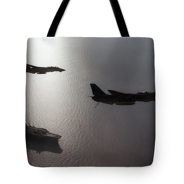 Tote Bag featuring the photograph Tomcat Silhouette  by Peter Chilelli