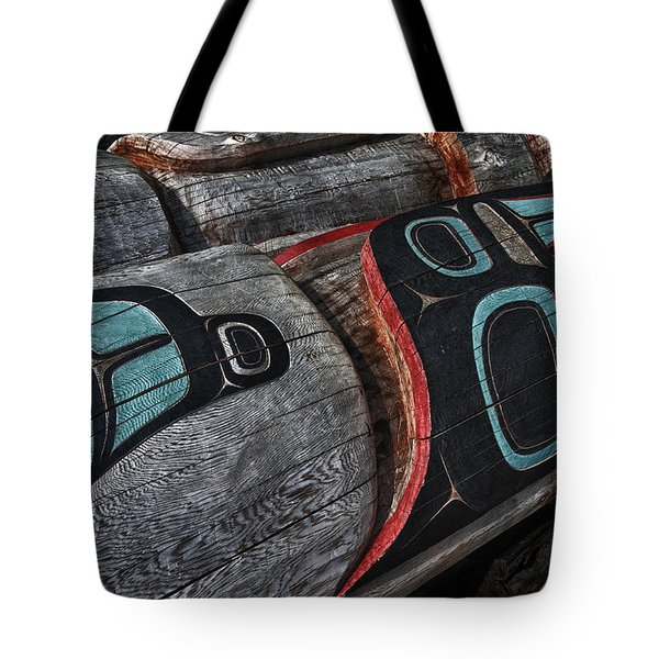 Totems Horizontal Tote Bag by Gary Warnimont