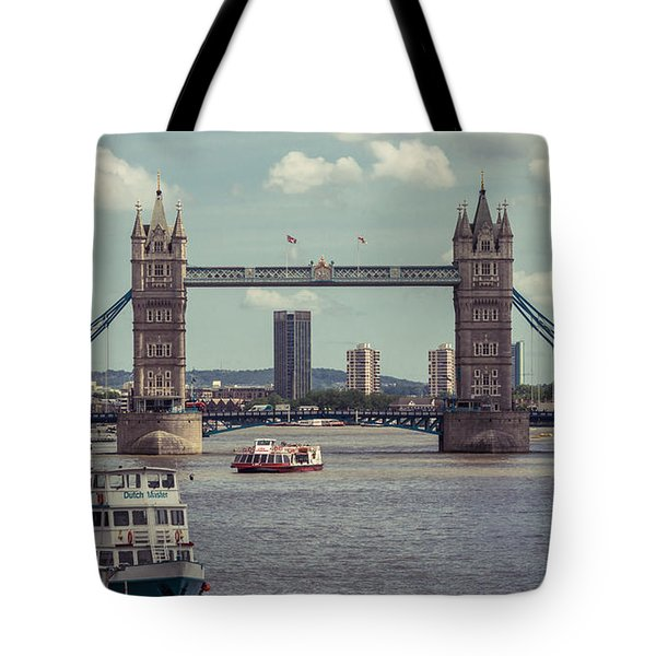 Tower Bridge B Tote Bag