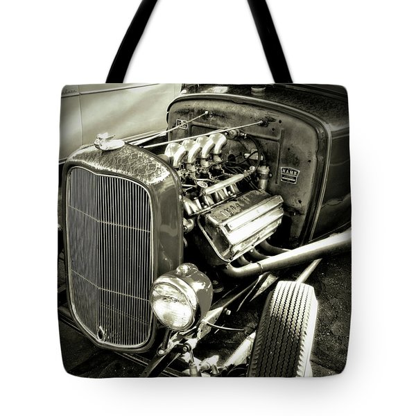 Traditional Hemi Bw Tote Bag