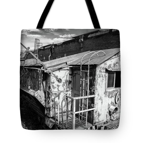 Train 6 In Black And White Tote Bag