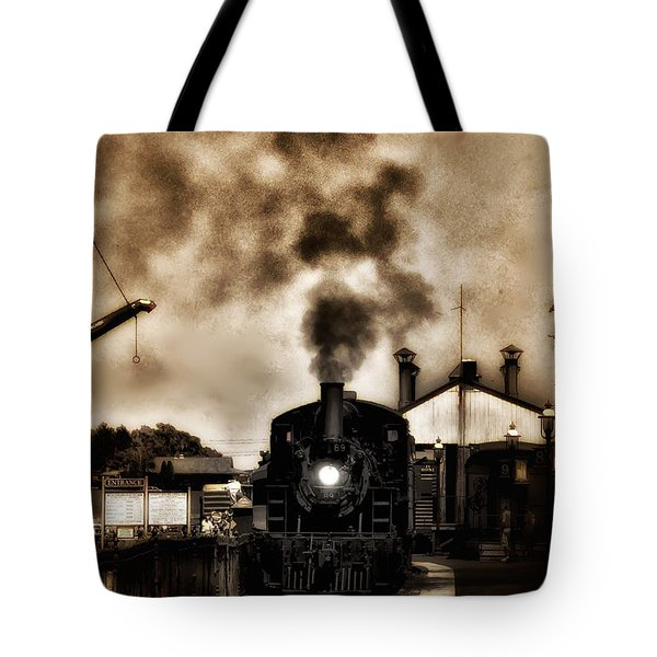 Train Coming In The Station Tote Bag by Bill Cannon