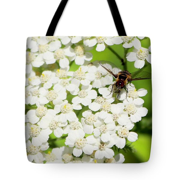 Transverse Flower Fly Tote Bag