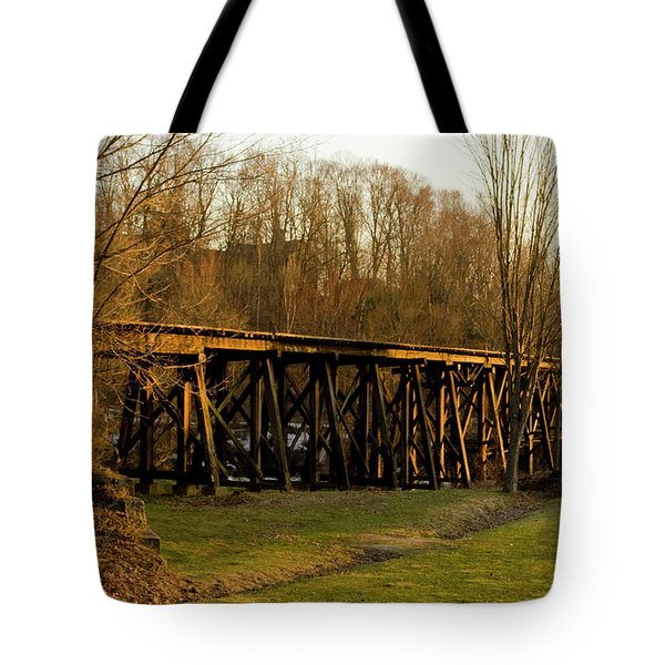 Tressel View Sunset  Tote Bag