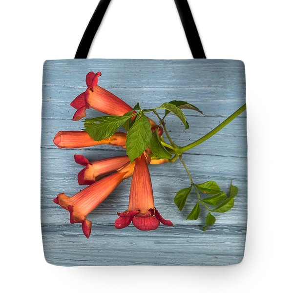 Tote Bag featuring the photograph Trumpet Vine by Tom Singleton