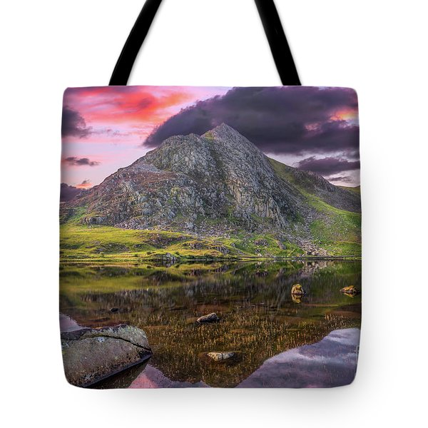 Tote Bag featuring the photograph Tryfan Mountain Sunset by Adrian Evans
