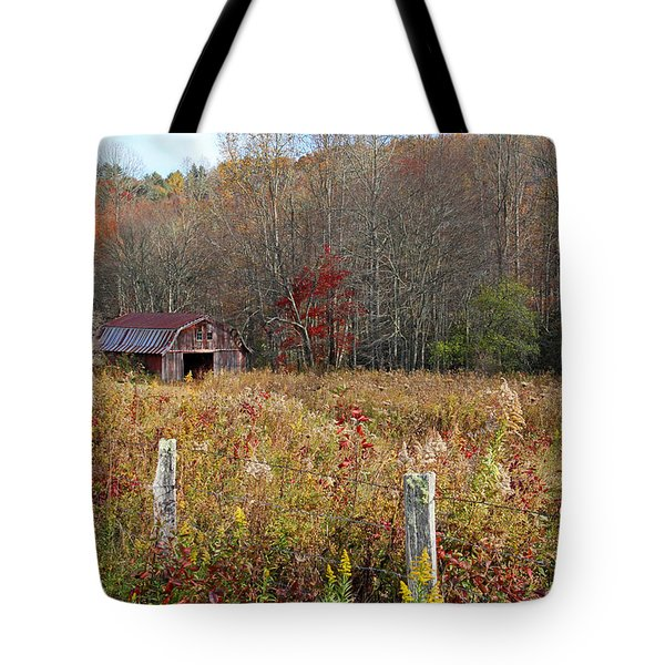 Tucked Away - Barns Tote Bag by HH Photography of Florida