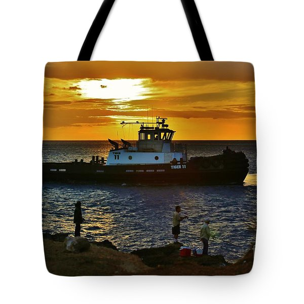 Tote Bag featuring the photograph Tug Tiger 11 by Craig Wood