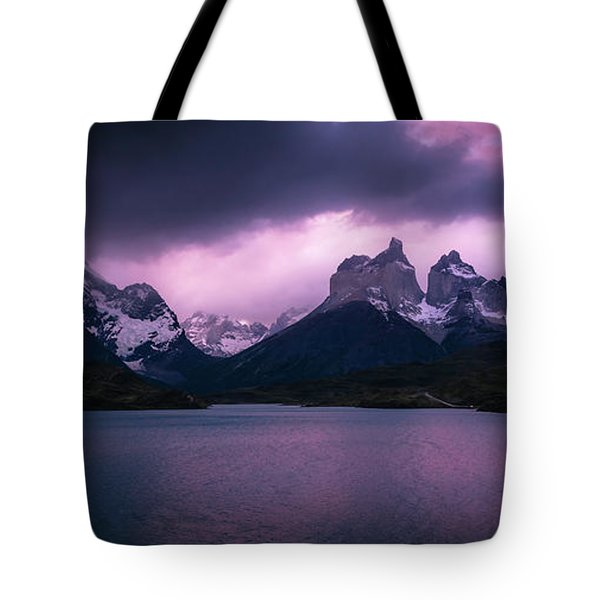 Tote Bag featuring the photograph Twilight Over The Lake by Andrew Matwijec