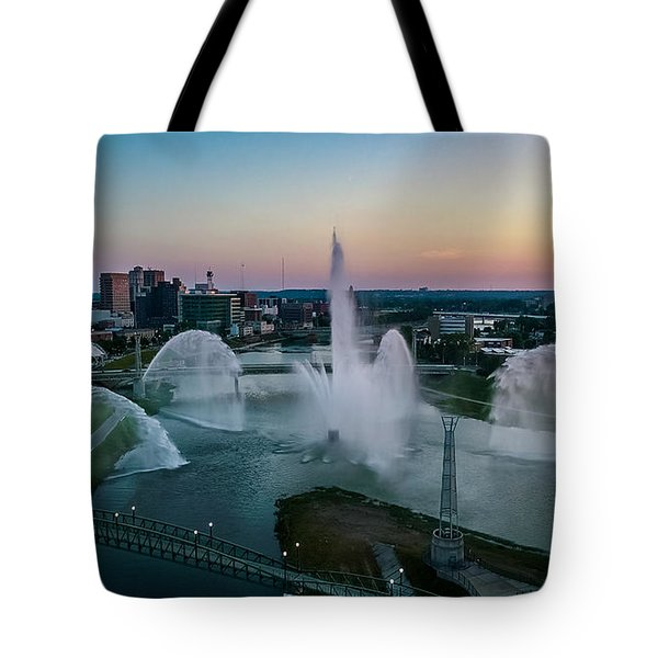 Twilight At The Fountains Tote Bag