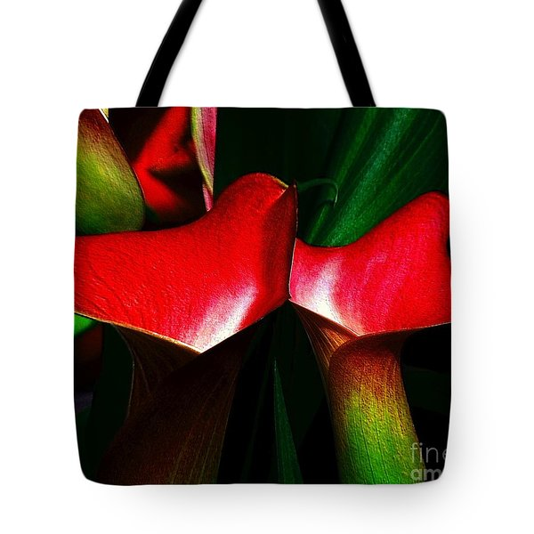 Tote Bag featuring the photograph Twins by Elfriede Fulda