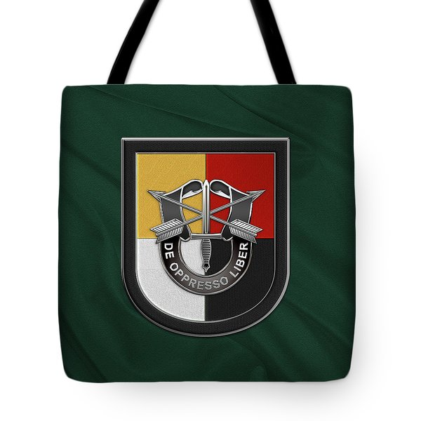 U. S.  Army 3rd Special Forces Group - 3  S F G  Beret Flash Over Green Beret Felt Tote Bag