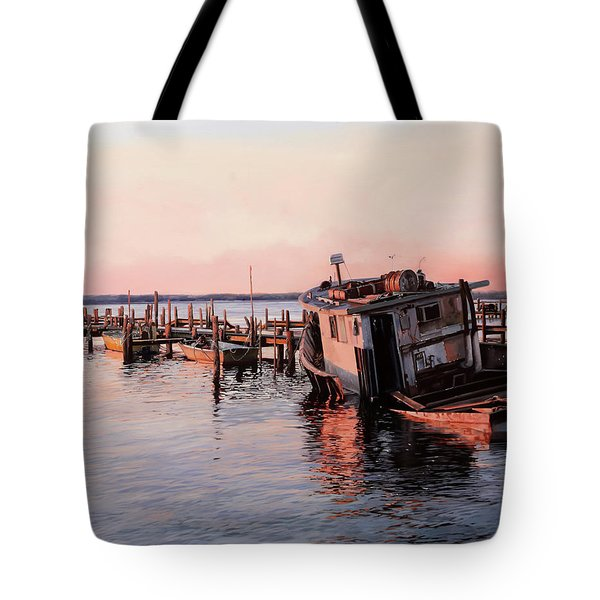 Un Relitto Tote Bag