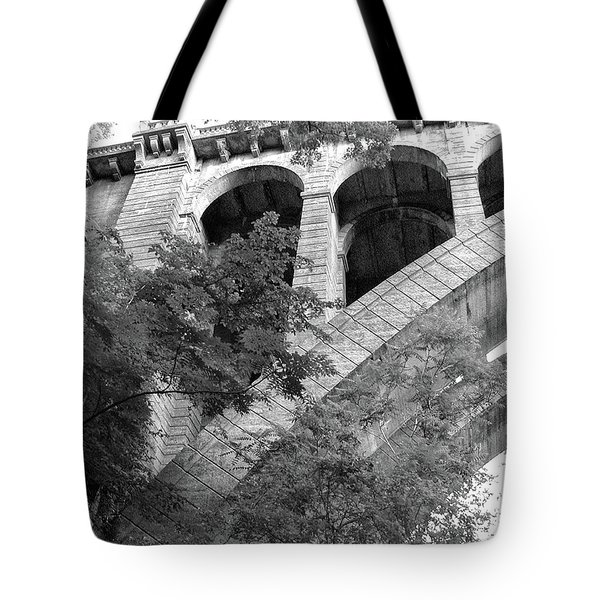 Tote Bag featuring the photograph Under The Henry Avenue Brudge by Bill Cannon