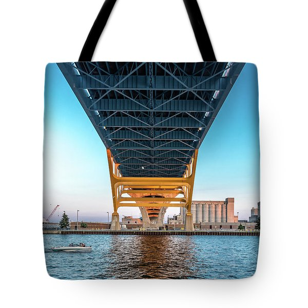 Tote Bag featuring the photograph Under The Hoan by Randy Scherkenbach