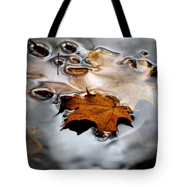 Under Water Fall Tote Bag