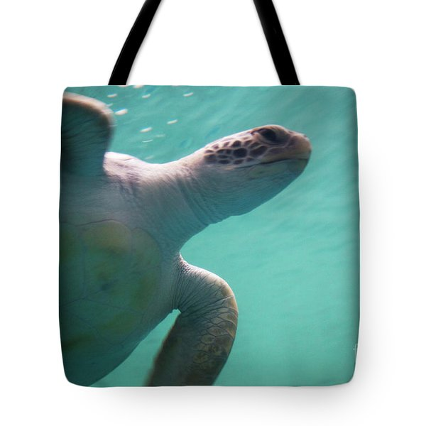 Tote Bag featuring the photograph Underwater Race by Ana Mireles