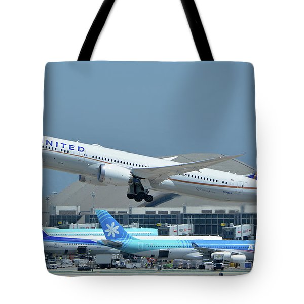 United Boeing 787-9 N27965 Los Angeles International Airport May 3 2016 Tote Bag