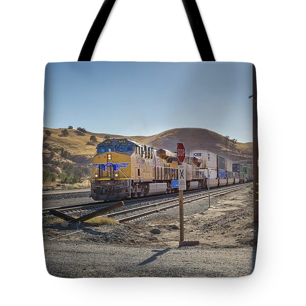 Tote Bag featuring the photograph Up7472 by Jim Thompson