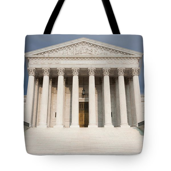 Us Supreme Court Building V Tote Bag