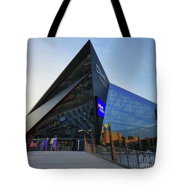 Usbank Stadium The Approach Tote Bag